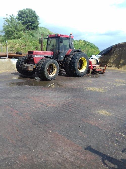 Foto van een Case International 1056 XL. Geplaatst door marco955 op 27-04-2019 om 18:38:03, op TractorFan.nl - de nummer 1 tractor foto website.