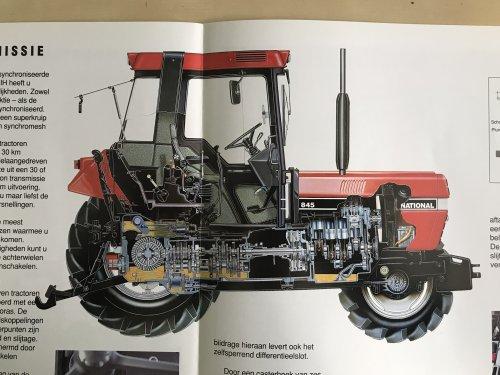 Foto van een Case International 845 XL Plus Orignele nederlandse folder van de 845/856 xl plus. Uitgegeven door Boeke Heesters uit Lelystad.