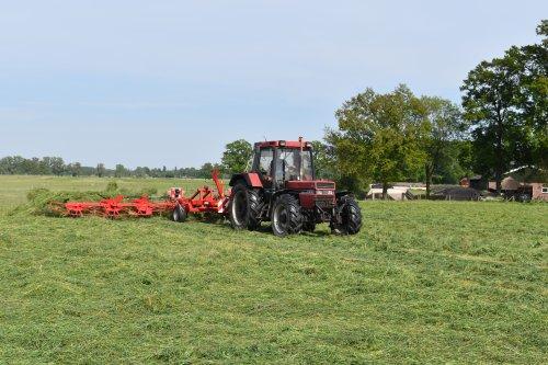 Foto van een Case International 956 XL. Geplaatst door jordi 1455 op 16-09-2020 om 22:17:39, op TractorFan.nl - de nummer 1 tractor foto website.