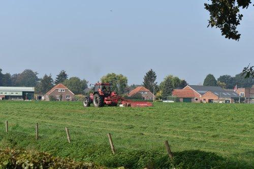 Foto van een Case International 956 XL. Geplaatst door jordi 1455 op 24-09-2020 om 22:00:57, op TractorFan.nl - de nummer 1 tractor foto website.