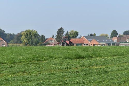 Foto van een Case International 956 XL. Geplaatst door jordi 1455 op 08-10-2020 om 22:22:38, op TractorFan.nl - de nummer 1 tractor foto website.