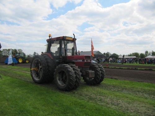Foto van een Case International 885 XL, bezig met trekkertrekken.. Geplaatst door CHALLENGERfan op 09-05-2013 om 22:35:45, op TractorFan.nl - de nummer 1 tractor foto website.