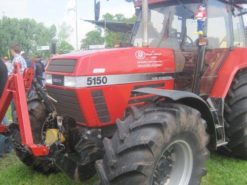 Foto van een Case International Maxxum 5150, bezig met poseren.. Geplaatst door jordi 1455 op 28-05-2013 om 13:00:26, op TractorFan.nl - de nummer 1 tractor foto website.