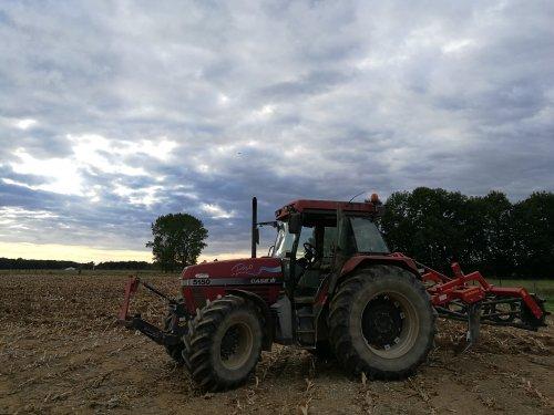 Foto van een Case International Maxxum 5150 Pro. Geplaatst door joostmc-cormick op 14-10-2016 om 18:11:16, op TractorFan.nl - de nummer 1 tractor foto website.