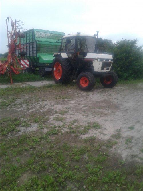 Foto van een Case 1294 aan het poseren. Geplaatst door wilbert-van-de-streek op 02-08-2017 om 21:44:46, op TractorFan.nl - de nummer 1 tractor foto website.