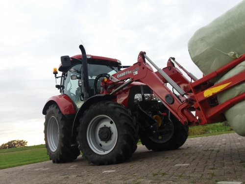 Foto van een Case IH Maxxum 110. Geplaatst door berryfendt936 op 10-11-2017 om 20:16:25, op TractorFan.nl - de nummer 1 tractor foto website.