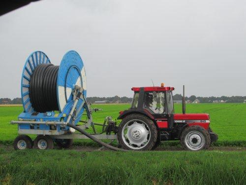 Foto van een Case International 845 XL Plus. Geplaatst door oldtimergek op 12-07-2018 om 09:48:33, op TractorFan.nl - de nummer 1 tractor foto website.