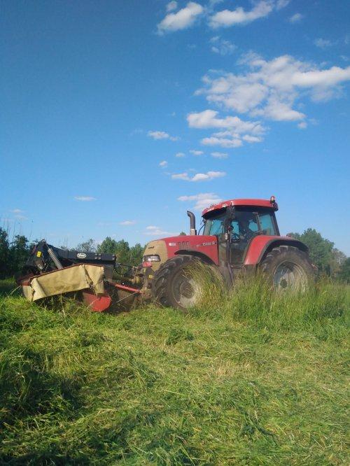 Kijk, daar heb je J&T Grondwerken  (vorselaar) × met een Case CVX 175.. Geplaatst door casexl956 op 30-05-2020 om 22:07:01, op TractorFan.nl - de nummer 1 tractor foto website.