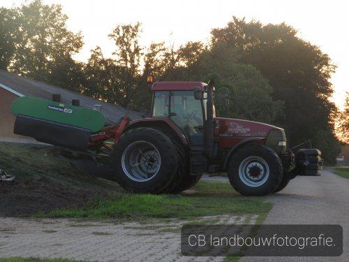 Hier zie je Gebr Poppink (Daarle/Reutem) × met een Case IH Maxxum MX 135.. Geplaatst door Loonwerker uut twente 2 op 16-09-2020 om 07:26:39, op TractorFan.nl - de nummer 1 tractor foto website.