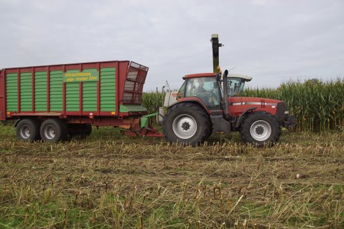 Foto van een Case MX 200. Geplaatst door jans-eising op 10-01-2021 om 14:56:47, op TractorFan.nl - de nummer 1 tractor foto website.