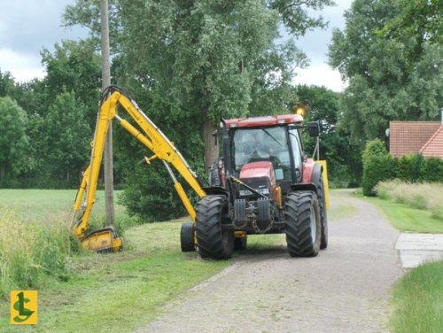 De Samenwerking BV met een Case MXU 135.  http://www.desamenwerkingbv.nl. Geplaatst door betten op 28-02-2009 om 22:12:15, met 2 reacties.