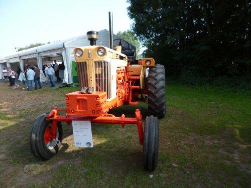 Foto van een Case 930, bezig met poseren.. Geplaatst door marco steyr op 08-09-2012 om 20:05:57, op TractorFan.nl - de nummer 1 tractor foto website.