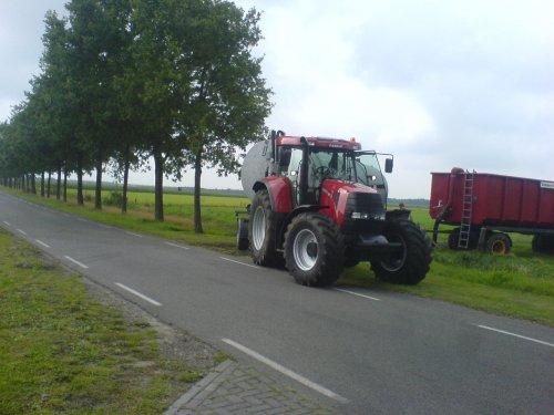 Mooie CVX van Dekker verhuur uut rolde. Geplaatst door HaraldCASE-IHfan op 20-09-2007 om 12:56:40, met 6 reacties.