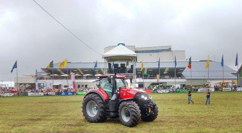 Foto van een Case IH Optum 300 cvx. Op de Beurs van Libramont.. Geplaatst door T track op 26-07-2016 om 15:29:37, op TractorFan.nl - de nummer 1 tractor foto website.