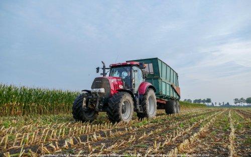 De Case IH Puma 160 CVX van Loonbedrijf de Wit Beemster druk in de mais!. Geplaatst door Simco vd Deure op 02-10-2016 om 13:02:32, op TractorFan.nl - de nummer 1 tractor foto website.