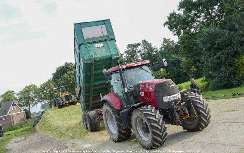 De Case IH Puma 160 CVX van Loonbedrijf de Wit Beemster druk in de mais!. Geplaatst door Simco vd Deure op 02-10-2016 om 13:02:51, op TractorFan.nl - de nummer 1 tractor foto website.