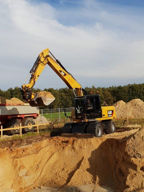 Foto van een Cat M313D  kelder uitgraven voor een huis 👍. Geplaatst door 105ls78 op 11-10-2018 om 20:46:08, met 2 reacties.