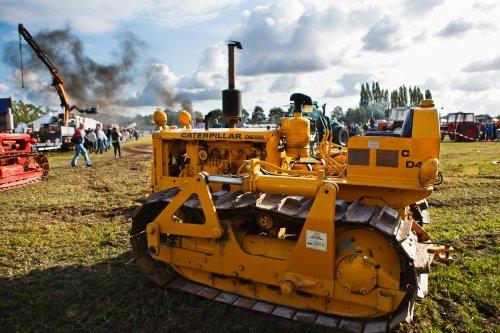 Cat D4 op Trekkertrek voor oude tractoren te Eede. Geplaatst door Freggel op 11-09-2019 om 04:03:55, op TractorFan.nl - de nummer 1 tractor foto website.