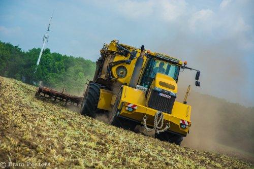 Foto van een Challenger Terra Gator 3244. Geplaatst door BramP op 24-05-2017 om 17:45:28, op TractorFan.nl - de nummer 1 tractor foto website.