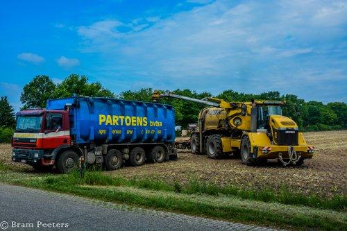 Foto van een Challenger Terra Gator 3244. Geplaatst door BramP op 24-05-2017 om 17:45:29, op TractorFan.nl - de nummer 1 tractor foto website.