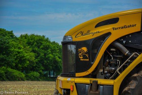 Foto van een Challenger Terra Gator 3244. Geplaatst door BramP op 24-05-2017 om 17:45:42, op TractorFan.nl - de nummer 1 tractor foto website.