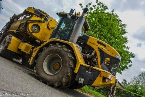 Foto van een Challenger Terra Gator 3244. Geplaatst door BramP op 27-05-2017 om 12:31:59, op TractorFan.nl - de nummer 1 tractor foto website.