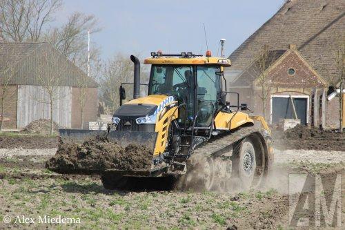 Foto van een Challenger MT 775E. Geplaatst door Alex Miedema op 04-05-2016 om 16:41:14, op TractorFan.nl - de nummer 1 tractor foto website.