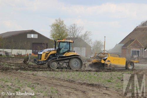 Foto van een Challenger MT 775E. Geplaatst door Alex Miedema op 04-05-2016 om 16:41:17, op TractorFan.nl - de nummer 1 tractor foto website.