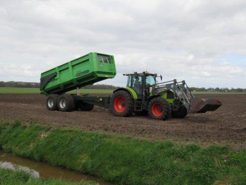 Foto van een Claas onbekend/overig. Geplaatst door jans-eising op 30-04-2017 om 19:40:02, op TractorFan.nl - de nummer 1 tractor foto website.