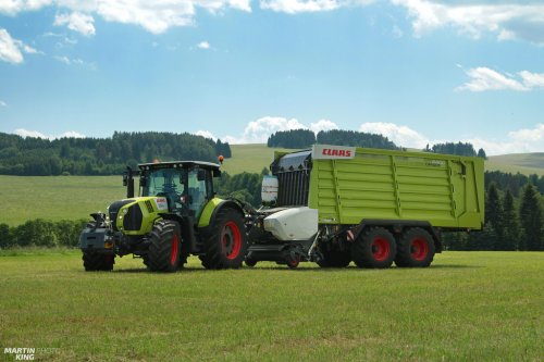 CLAAS ARION 640 with the CLAAS CARGOS 8400 Dual-Purpose Wagon  more photos you can find also on  [url=https://www.flickr.com/photos/129661619@N08/]Flickr page[/url] | [url=https://www.facebook.com/DYNASTYphotography-204551272942391/]Facebook DYNASTYphotography[/url] | [url=https://www.instagram.com/lukaskralphoto/]instagram lukaskralphoto[/url] | [url=https://www.instagram.com/martin939king/]instagram martinking[/url]