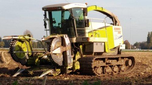 Claas jaguar 840 van GM damsteegt. Geplaatst door Minitauro op 19-10-2017 om 16:47:52, op TractorFan.nl - de nummer 1 tractor foto website.