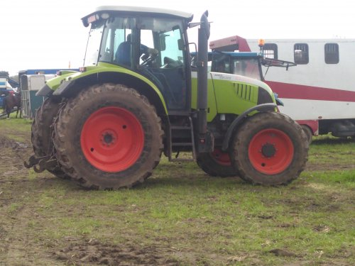 Foto van een Claas Ares 617. Geplaatst door case en international 1455xl op 22-04-2018 om 17:52:28, op TractorFan.nl - de nummer 1 tractor foto website.