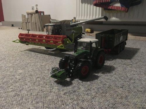Foto van een Claas Lexion 770. Geplaatst door rubencasecs op 31-01-2019 om 20:03:39, op TractorFan.nl - de nummer 1 tractor foto website.