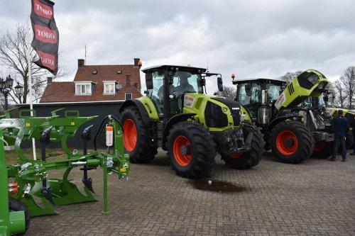 Foto van een Claas Axion 870. Geplaatst door jordi 1455 op 17-02-2019 om 19:29:28, op TractorFan.nl - de nummer 1 tractor foto website.