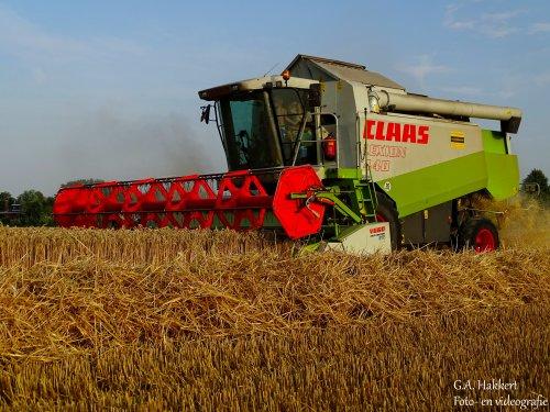 Loonbedrijf de Bruin aan het dorsen met de Lexion 440 deze week. Geplaatst door gypCaseXL op 28-07-2019 om 14:29:20, op TractorFan.nl - de nummer 1 tractor foto website.