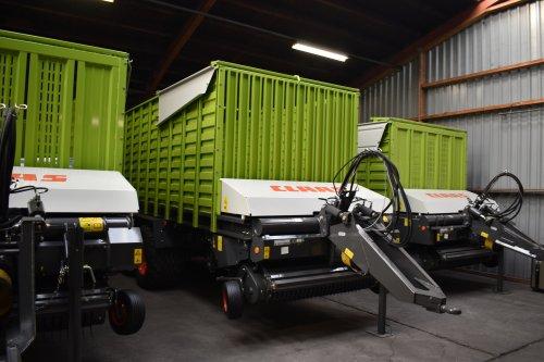 Foto van een Claas Quantum (voederwinning). Geplaatst door jordi 1455 op 02-12-2019 om 20:39:26, op TractorFan.nl - de nummer 1 tractor foto website.