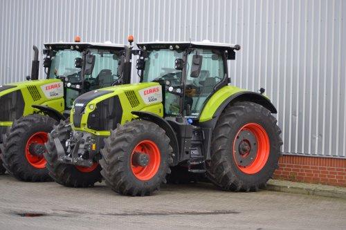 Foto van een Claas Axion 870, Bij Agravis Meppen. Geplaatst door Lucas Ensing op 12-01-2020 om 16:27:39, op TractorFan.nl - de nummer 1 tractor foto website.