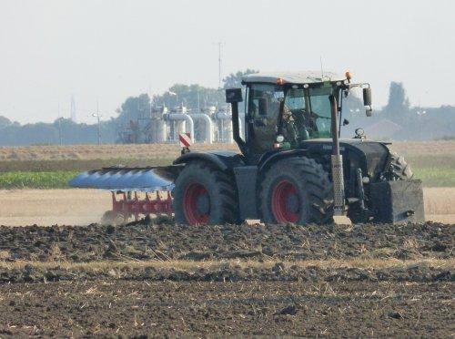 Foto van een Claas Xerion. Geplaatst door allis man op 27-12-2020 om 16:28:05, op TractorFan.nl - de nummer 1 tractor foto website.