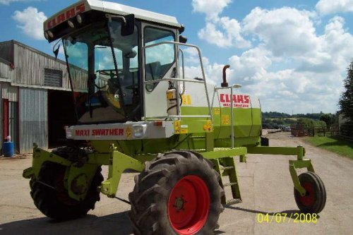 Picture Claas Maxi Swather