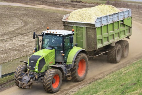 Claas Axion 820 Wallpaper