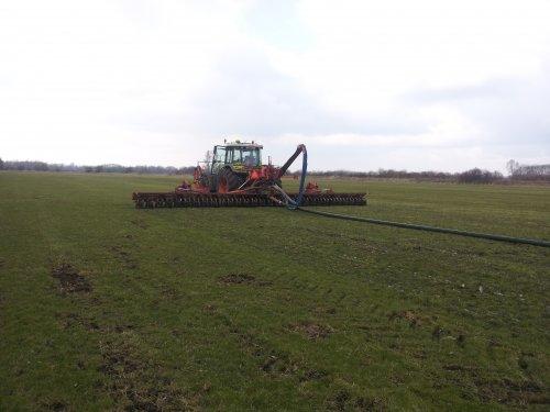 Foto van een Claas Ares 697 ATZ.. Geplaatst door erik mtx op 24-03-2013 om 18:52:50, op TractorFan.nl - de nummer 1 tractor foto website.