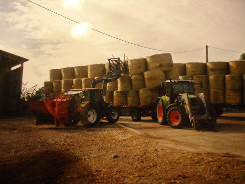 Foto van een Claas Ares 617, bezig met poseren.. Geplaatst door stef claas op 14-04-2013 om 11:37:43, op TractorFan.nl - de nummer 1 tractor foto website.