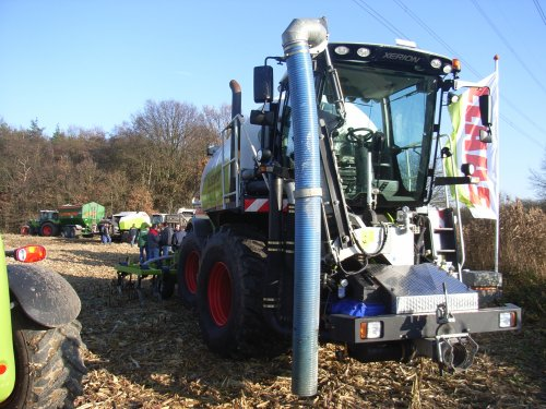 Claas Xerion Saddle Trac van janrus