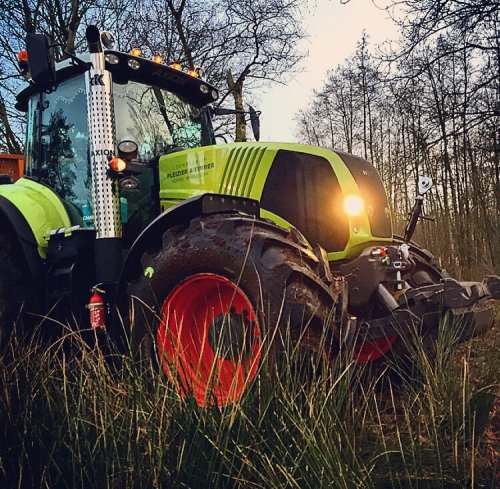 Picture Claas Axion 820
