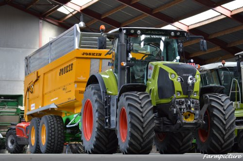Foto van een Claas Axion 810, bezig met poseren.. Geplaatst door Jan Ramon op 24-09-2015 om 22:04:10, op TractorFan.nl - de nummer 1 tractor foto website.