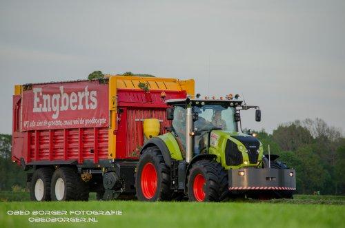 De nieuwe Claas Axion 830 van Loonbedrijf Engberts uit Vriezenveen  Binnenkort meer foto's op: http://www.obedborger.nl/  Obed Borger Fotografie