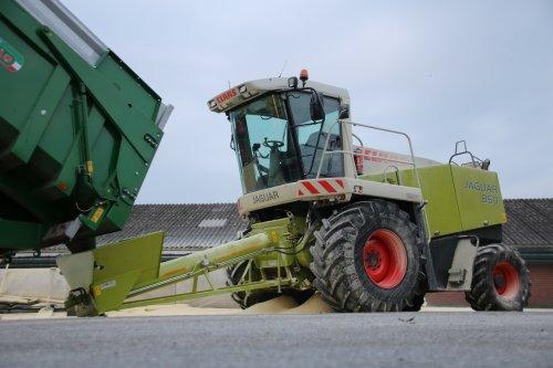 Korrelmais dorsen en vermalen door Bouwhuis Witteveen.  Te zien op http://www.landbouwpowers.nl. Geplaatst door ronaldclaas op 23-10-2016 om 18:06:12, met 5 reacties.