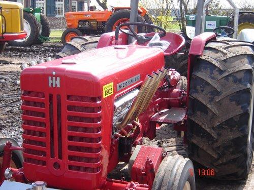 Foto van een Mc-Cormick Onbekend, bezig met tractorpulling bij Trekkertrek Marle.. Geplaatst door kingstefe op 05-04-2010 om 21:02:13, met 3 reacties.