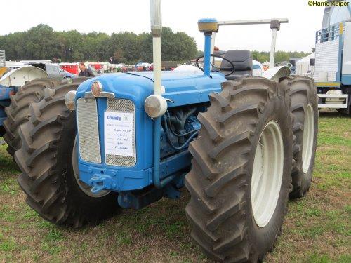 Foto van een County Super 4 ,Meddo 2018. Geplaatst door oldtimergek op 27-05-2019 om 19:45:28, op TractorFan.nl - de nummer 1 tractor foto website.