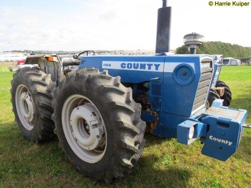 Foto van een County 1164 TW , Great Dorset steam fair 2019. Geplaatst door oldtimergek op 11-09-2019 om 09:39:02, op TractorFan.nl - de nummer 1 tractor foto website.